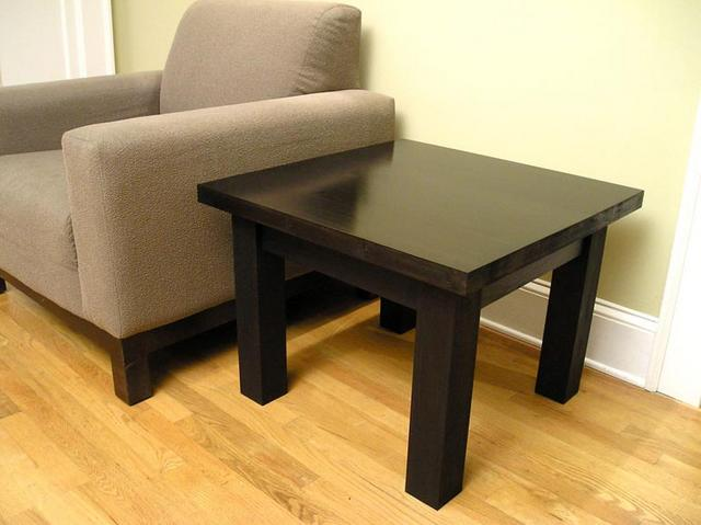 End table .